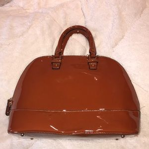 APRICOT BROWN PATENT LEATHER OVERSIZED PURSE